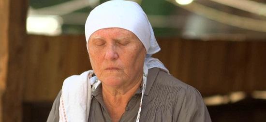 Баба Нина слепая
